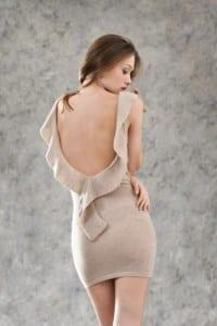 abito-con-scollatura-sulla-schiena