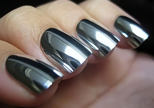 Smalto-unghie-effetto-specchio-estate-2015-colore-silver