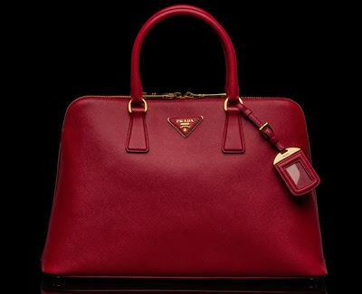 shopping-la-ragazza-con-la-borsa-rossa-l-dq2zq5