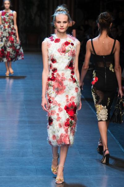 Dolce-Gabbana-vestiti-piume-primavera-estate-2016_oggetto_editoriale_720x600