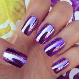 Smalto-unghie-colore-lilla-effetto-specchio-estate-2015