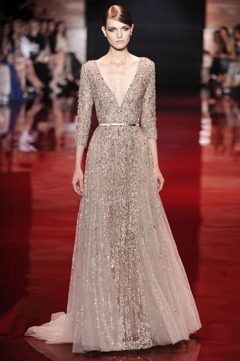 2-elie-saab-wedding-dresses-wedding-gowns-haute-couture-fall-2013-0710-h724