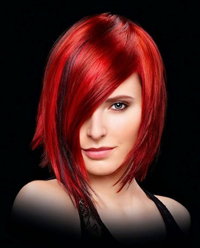taglio-di-capelli-medi-di-tendenza-2016-colore-rosso-riga-laterale