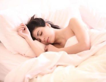 Sonnolenza pomeridiana: fa bene o fa male?