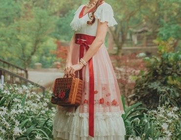 Multifaceted Lolita – Can Be Cute And Can Be Domineering