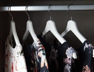 10 capi d'abbigliamento che devi avere nell'armadio